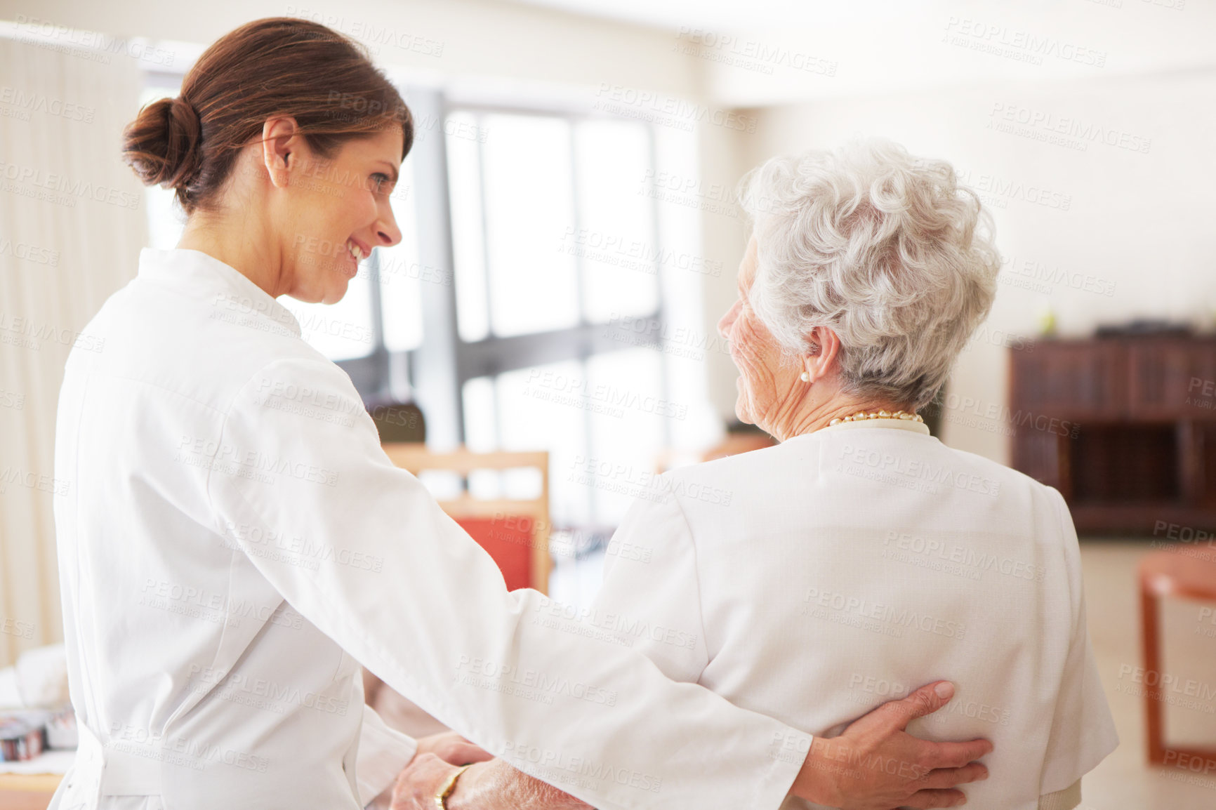 the effects a nursing home has Better health and happiness are a way of life in assisted living senior living is a great step for seniors who need more socialization and help with daily needs than the family can provide at home there are many different types of senior living care, as the senior living guide explains, from assisted living and independent living to memory care.
