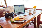 Blogging at breakfast