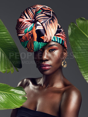 A head wrap enriched with history